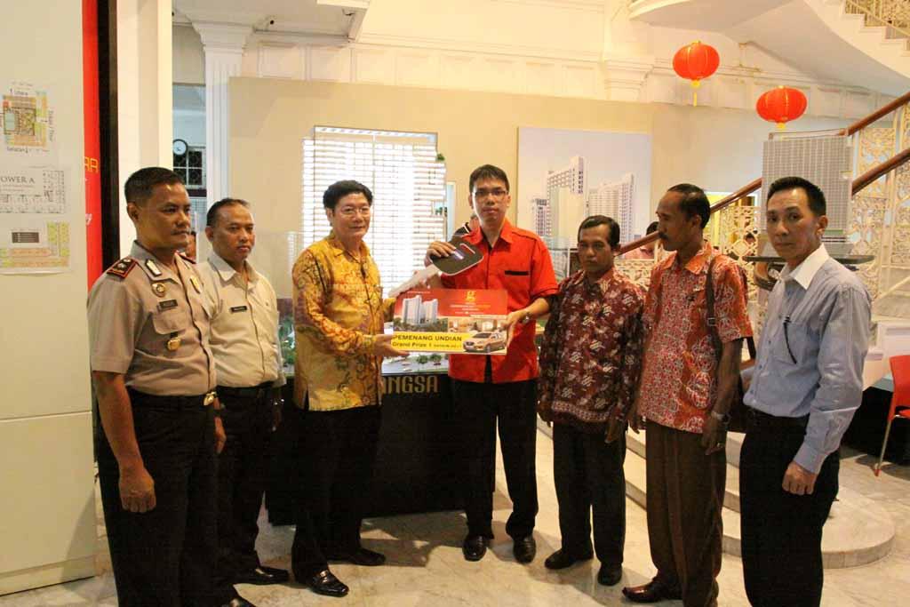 undian DATSUN GO + Hotel Gunawangsa MERR managed by DAFAM HOTELS , congratulations for Aldwin Tanujaya