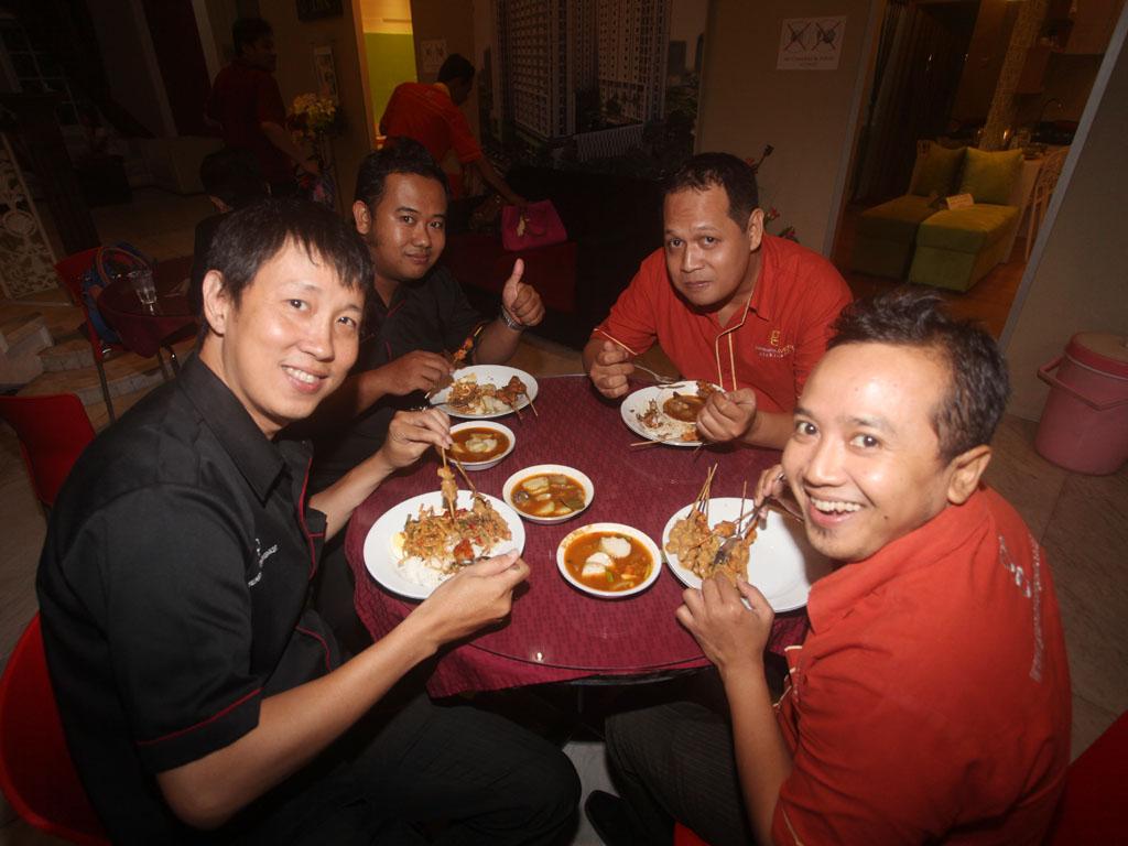 Buka Puasa bersama seluruh karyawan Gunawangsa group